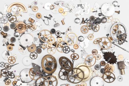reloj antiguo: Detalle de piezas de reloj para la restauración Foto de archivo