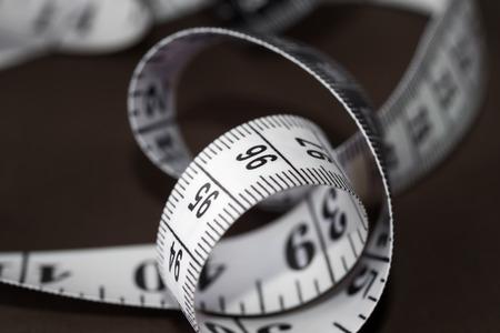 huincha de medir: Detalle de una cinta de medici�n