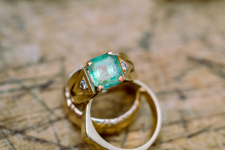 emerald: Workshop manufacture and repair of jewelry