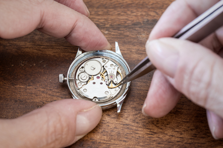 reparation: Details of watches and mechanisms for reparation, restoration and maintenance