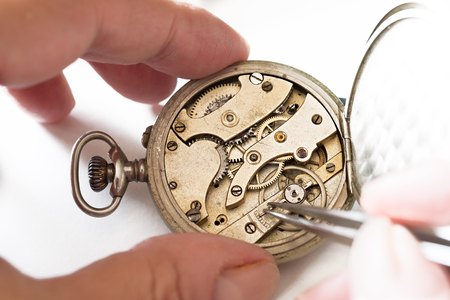 pinzas: Los detalles de los relojes y mecanismos de reparación, restauración y mantenimiento