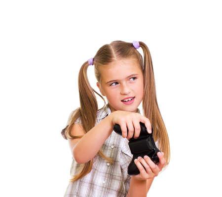 niños jugando videojuegos: Una adolescente jugando videojuegos Aislado sobre fondo blanco