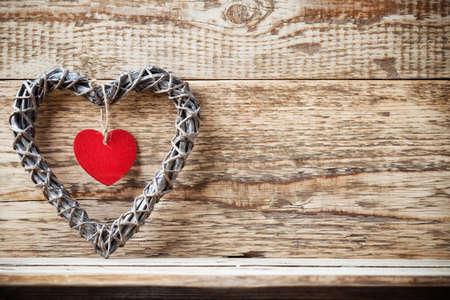 Coeur en bois Pete et fond en bois.