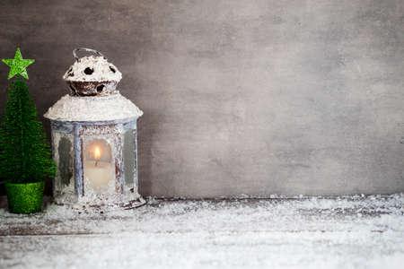 kerze: Laterne mit Kerzen