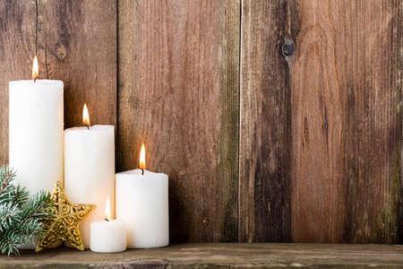 Kerst kaarsen en verlichting. Kerst achtergrond. Stockfoto