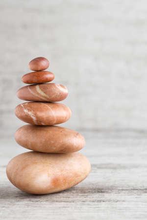 balances: From spa stones make Balances pyramids.