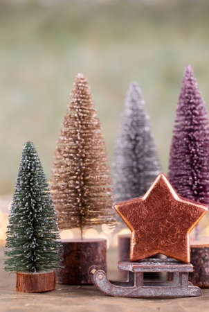 Colorful Christmas tree on green, bokeh background. Standard-Bild - 130129800