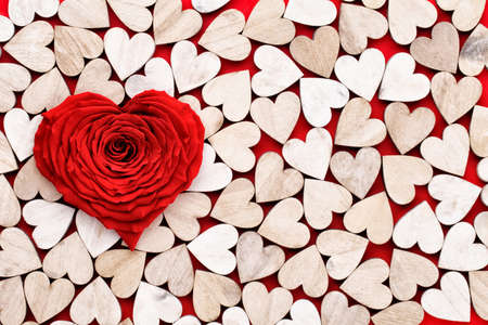 Valentines Day background with red rose hearts. Greating cards. Banco de Imagens