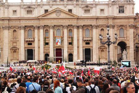 beatification: Rome, Italy - May 2, 2011 - crowd in st peters square during the celebration for the beatification of John Paul II Editorial