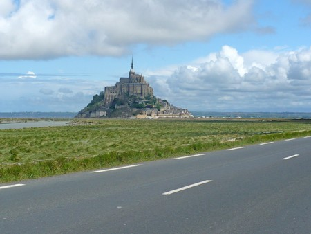 manche: France,  Lower Normandy, Department Manche. Rocky tidal island Mont-Saint-Michel with abbey on top Stock Photo