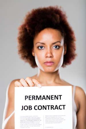 Patron Offrant Un Contrat De Travail Permanent Est Très Sérieux