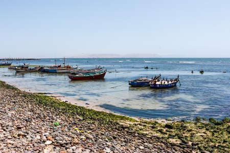 Fishermen boats harbored in Paracas, Peru 新聞圖片