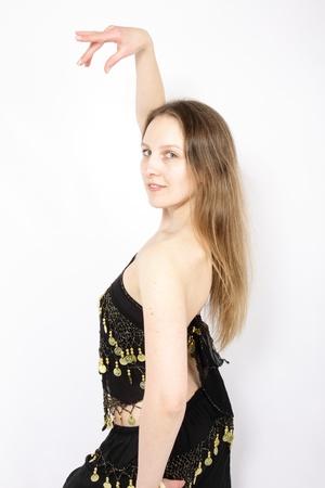 danzatrice del ventre bionda in posa photo