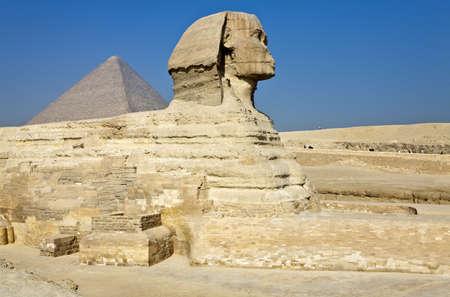 esfinge: Egipto, sitio arqueológico de Giza, la esfinge Foto de archivo