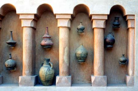 ollas de barro: Marruecos, Agadir, ollas de barro de una tienda de artesanía