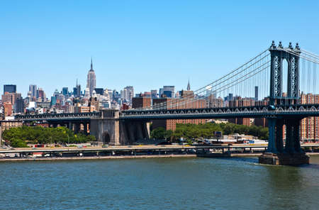 to and fro: U.S.A., New York,Manhattan,the city seen fro the Brookllyn Bridge