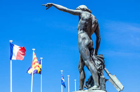 toulon: Toulon, France - June 27, 2009: The Genius of Navigation statue in the harbor square.