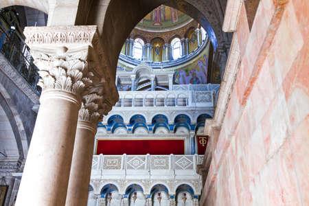 church of the holy sepulchre: Jerusalem, Israel - November 2, 2010: The Church of the Holy Sepulchre