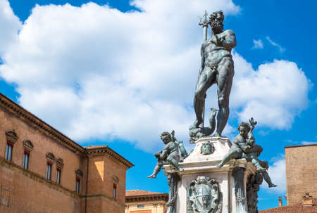 neptuno: Italy, Bologna, Del Nettuno square, frontal view of the Neptune statue