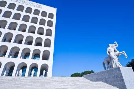 로마, 팔라 초 델라 Civiltà 전자 델 Lavoro EUR 분기