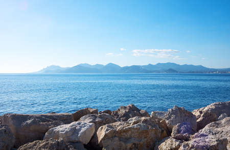 Cannes, France, the sea with the Esterel promontory seen from the harbor 版權商用圖片