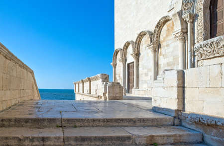 Italy,Trani, detail of the Cathedral  facade (XI century) 版權商用圖片