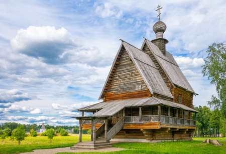 Russia, Suzdal, old wooden architectures of the village Foto de archivo