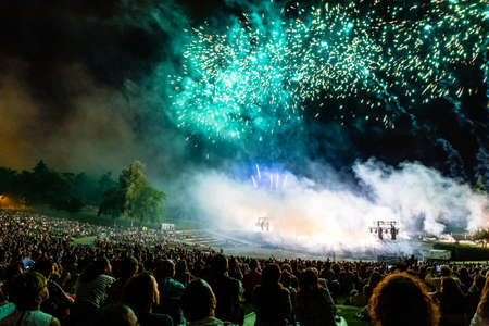 15th May 2019? Madrid, Spain: crowd of people in Parque Tierno Galvan watching the fireworks show during the San Isidro Festival of Madrid Imagens - 127627293