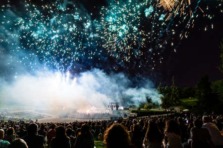 15th May 2019? Madrid, Spain: crowd of people in Parque Tierno Galvan watching the fireworks show during the San Isidro Festival of Madrid Imagens - 127627295