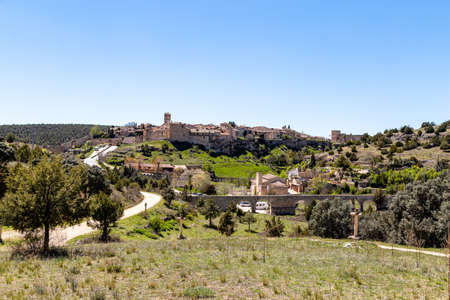 Pedraza, Castilla Y Leon, Spain: view of Pedraza village from Ermita Nuestra Se?ora del Carrascal. Pedraza is one of the best preserved medieval villages of Spain 写真素材