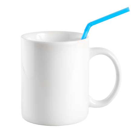 drinking straw: Tazza bianca con un bere paglia