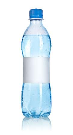 purified water: Botella de agua con etiqueta en blanco Foto de archivo
