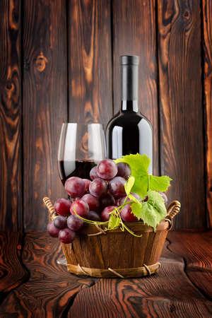 Wine and grapes Banco de Imagens