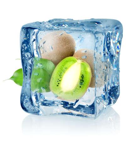 Ice cube and kiwi Banco de Imagens