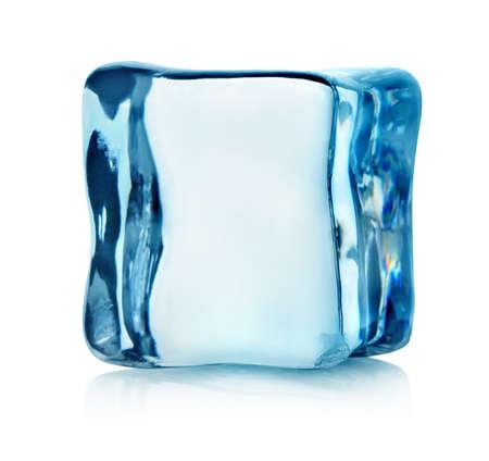 cubetti di ghiaccio: Cubo di ghiaccio isolato