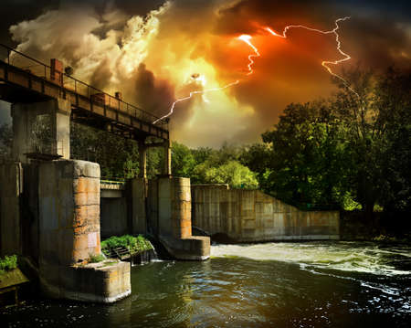 overflowing: Dam on the river Severskiy Donets in Ukraine