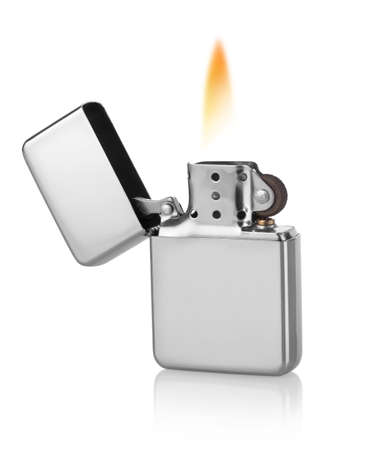 encendedores: Metal ligero aislado sobre un fondo blanco