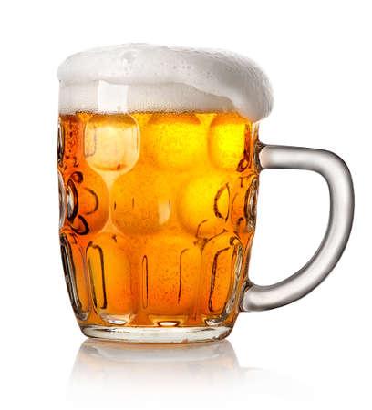 ビールは、白い背景で隔離の大きなマグカップ 写真素材