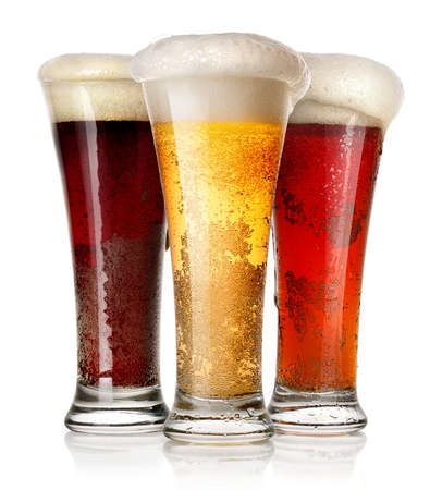 ビールは、白い背景で隔離の背の高いグラス 写真素材