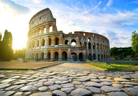 Road to Colosseum in calm sunny morning Archivio Fotografico
