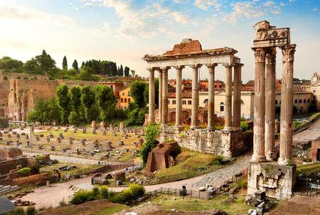 romana: Vista del foro romano en Roma, Italia Foto de archivo
