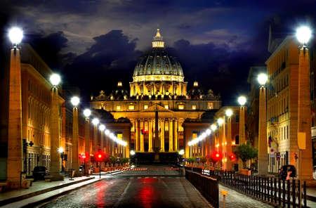 Vaticaan in de nacht Stockfoto