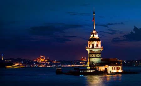 夜の乙女の塔