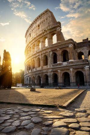 Gran Coliseo en la mañana Foto de archivo - 90430468