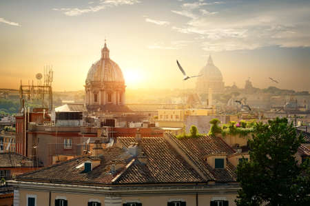 Domes of Rome Фото со стока - 91309152