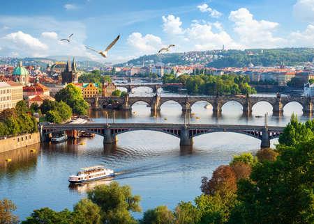 Brückenreihe in Prag