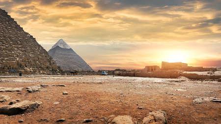 Pyramids in the evening Zdjęcie Seryjne - 114846539