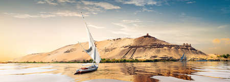 Sunset in Aswan 写真素材 - 126797428