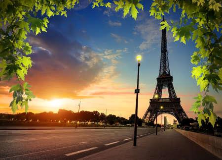 Beautiful sunrise in Paris, with Eiffel Tower 스톡 콘텐츠