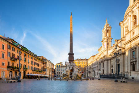 Piazza Navona in morning Фото со стока